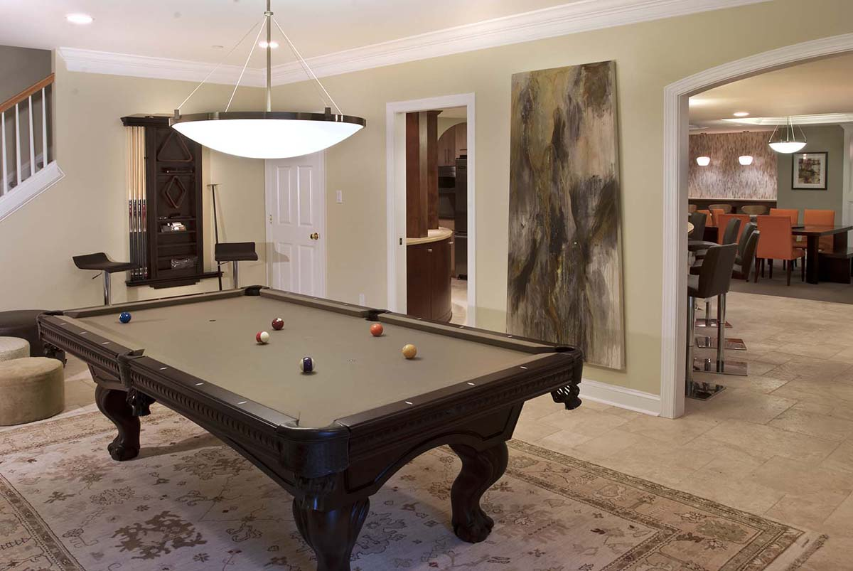 Basement entertainment room - Pooltable